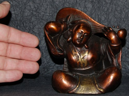 Size of Metal Benzaiten Statue